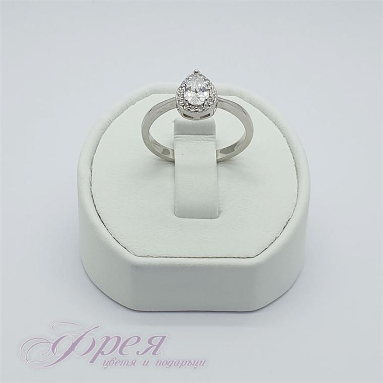 Сребърен пръстен с циркон - капковидна форма