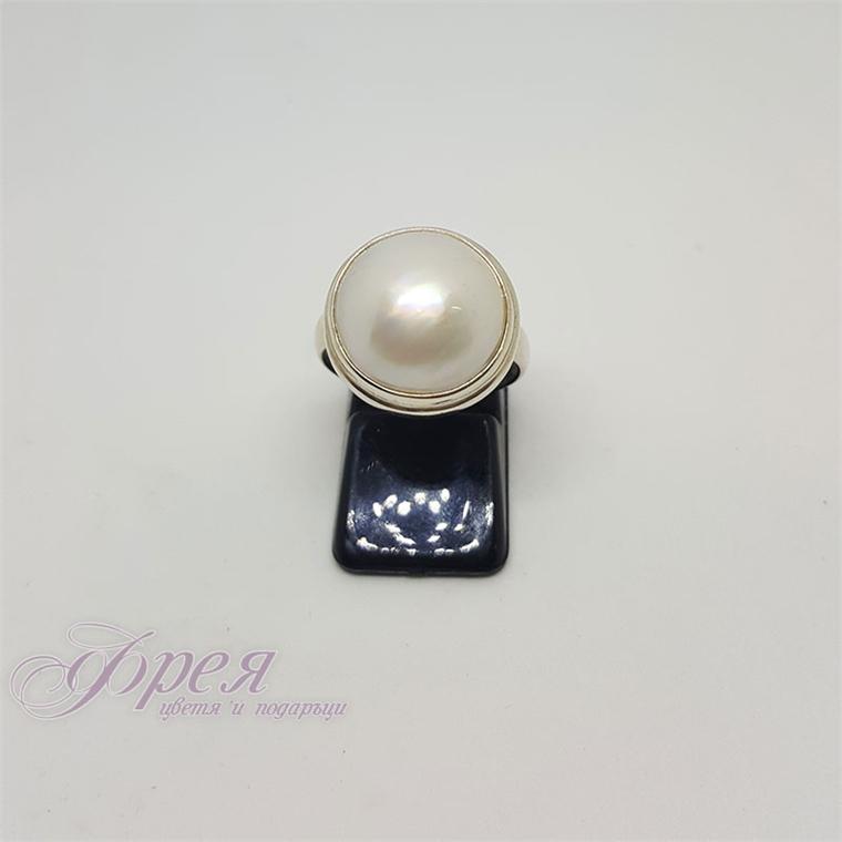 Сребърен пръстен с речна перла - полусфера Ø1.8см