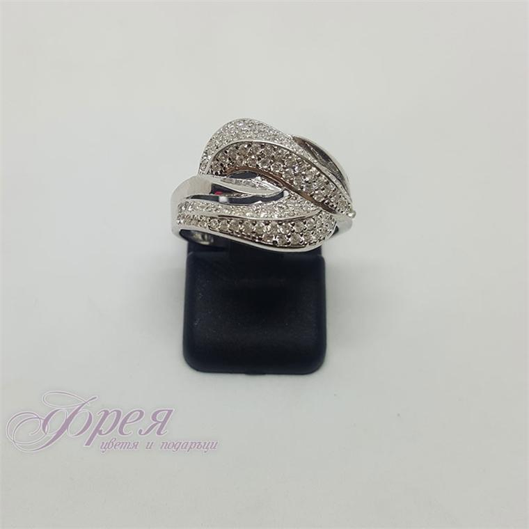 Сребърен пръстен с циркони - извити, преплетени листа