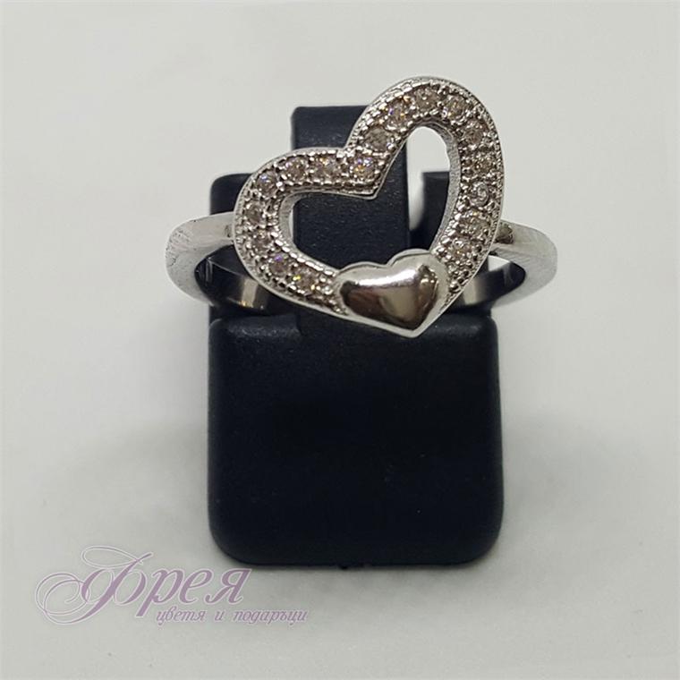 Сребърен пръстен с циркони - сърце 1.4х1.1см