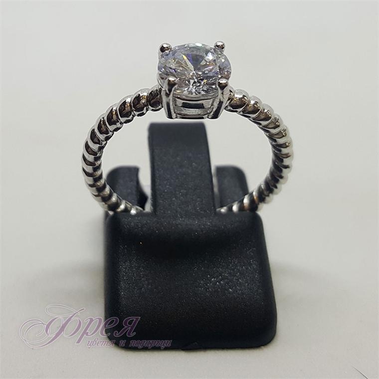 Сребърен пръстен с циркон - халка с усукана нишка