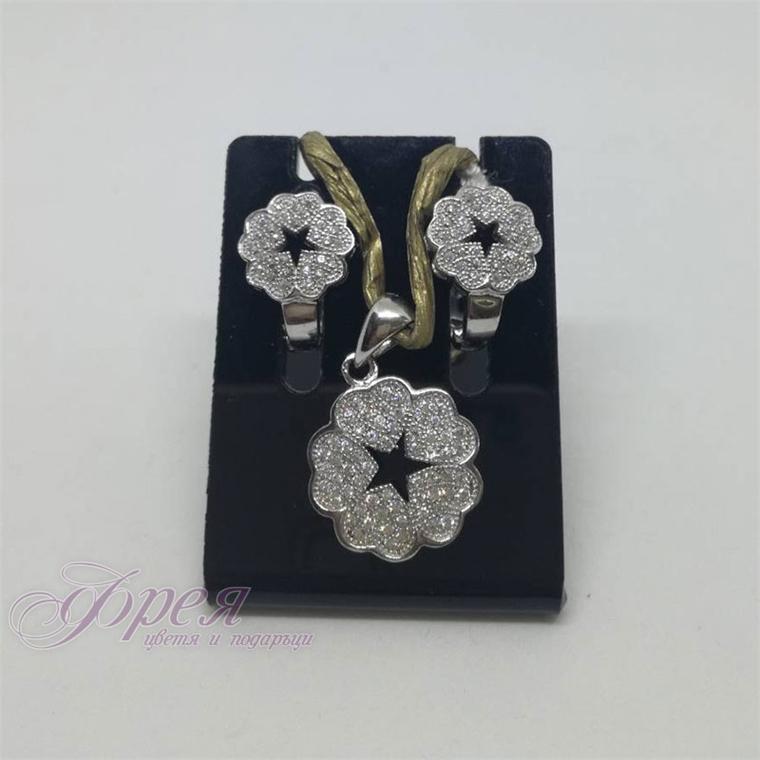 Сребърен комплект обеци с висулка с циркони - цвете със звезда