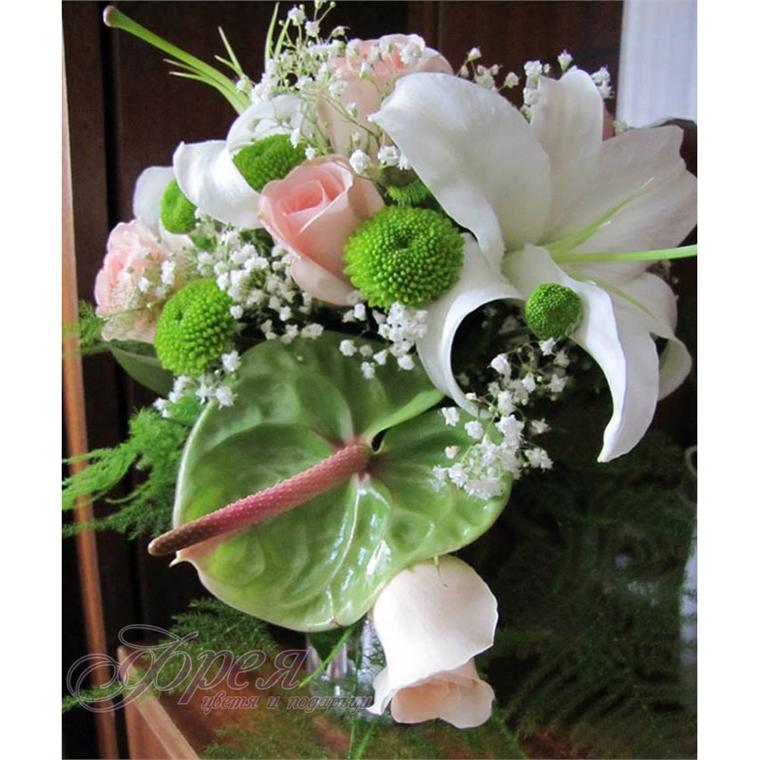Булчински букет - Антуриум и рози