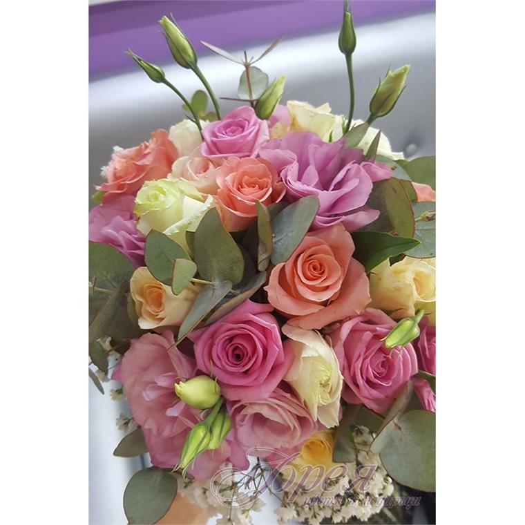 Булчински букет - Рози и еустома