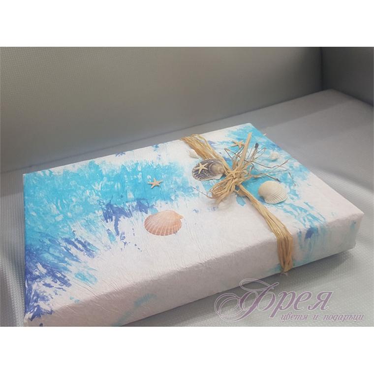 Опаковка в синьо с морски мотиви