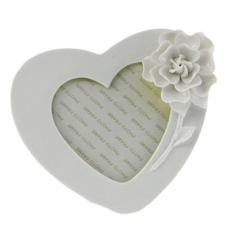Рамка за снимка сърце - Бели цветя