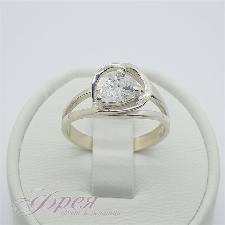 Сребърен пръстен с циркон - капка в нестандартна рамка