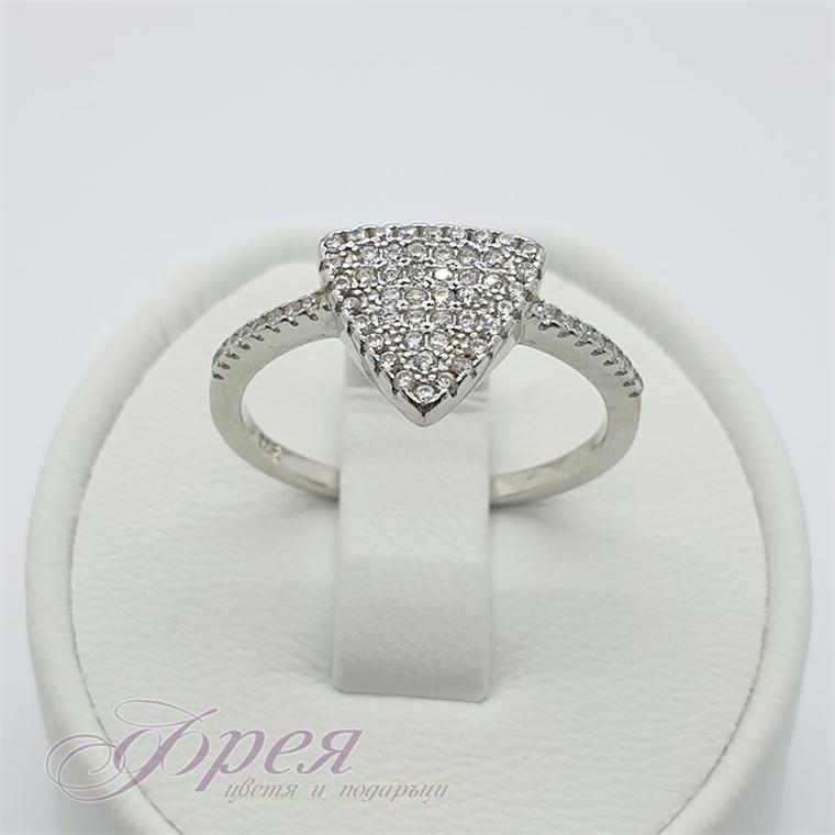 Сребърен пръстен - триъгълник с малки циркони