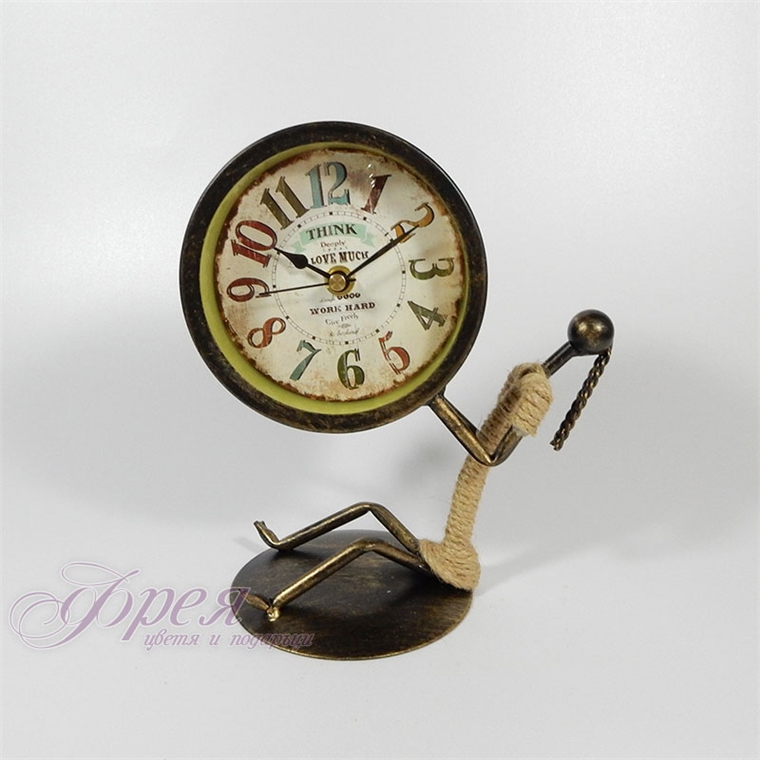 Метален настолен часовник в стил винтидж