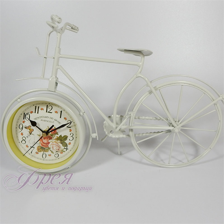 Метално винтидж колело-часовник - бяла рамка и рози