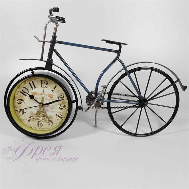 Метално винтидж колело-часовник (Айфелова кула)