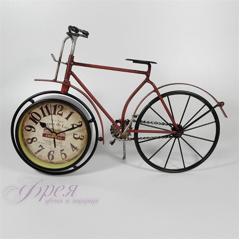 Метално винтидж колело-часовник (черно и червено)