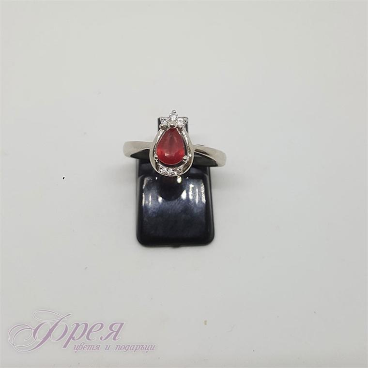 Сребърен пръстен с рубин и циркони - капка