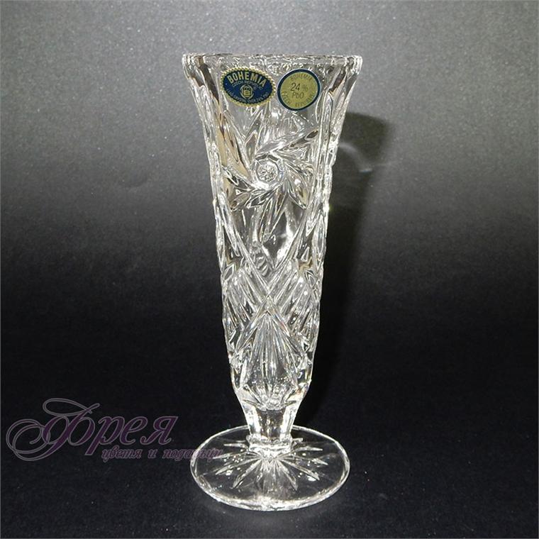Кристална ваза на столче