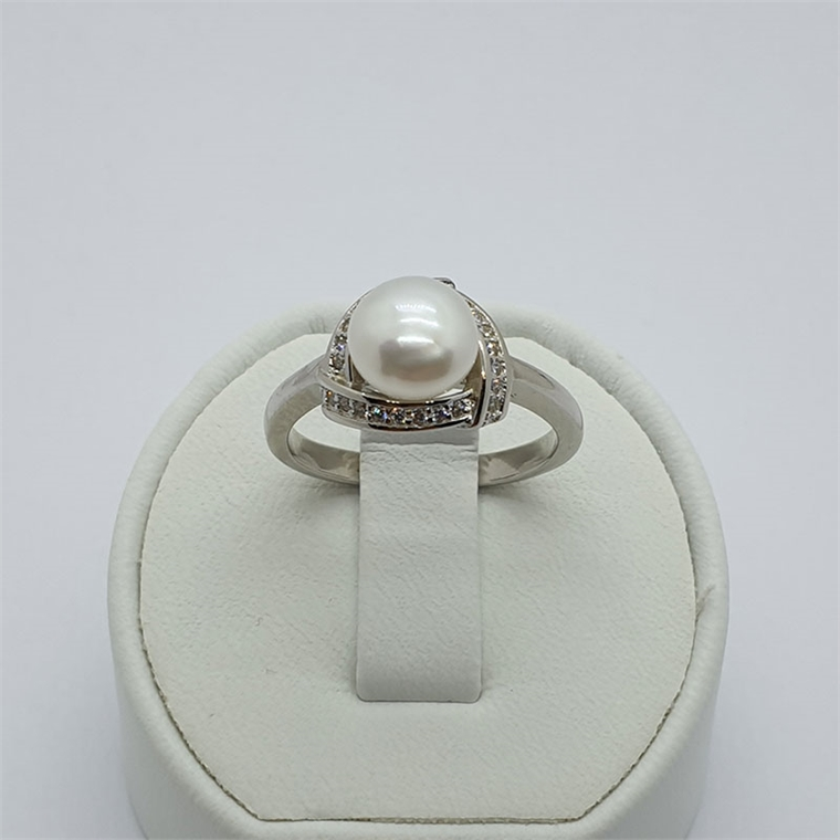 Сребърен пръстен с перла и циркони - триъгълник