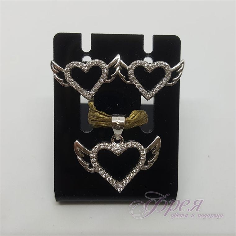 Сребърен комплект обеци и висулка - сърце с ангелски криле