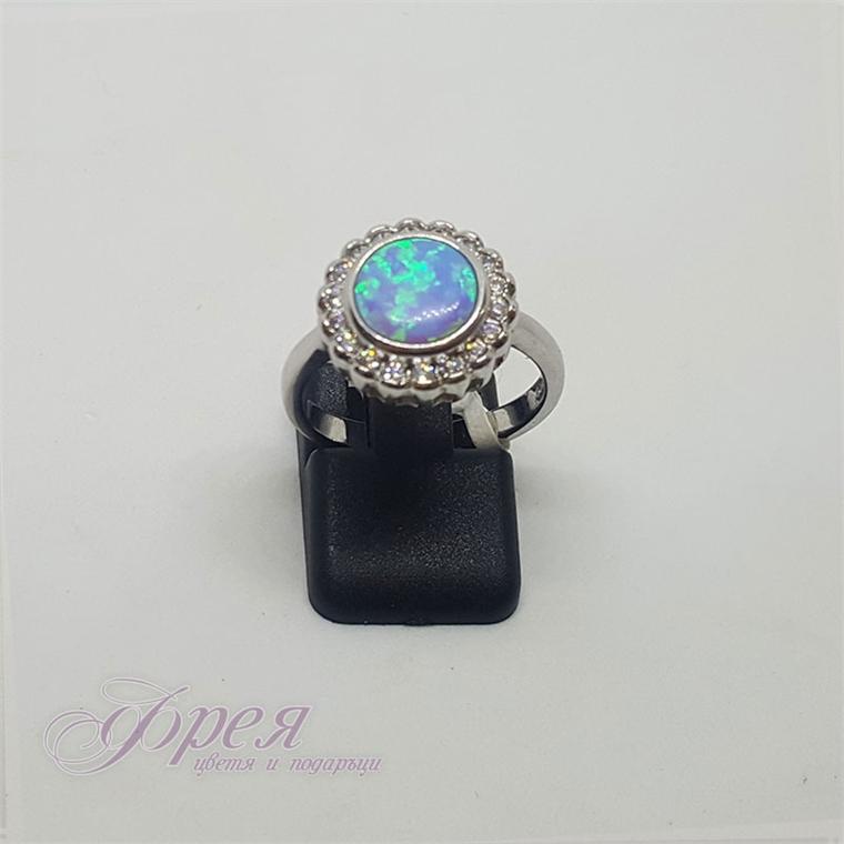 Сребърен пръстен със син опал и циркони - кръгъл