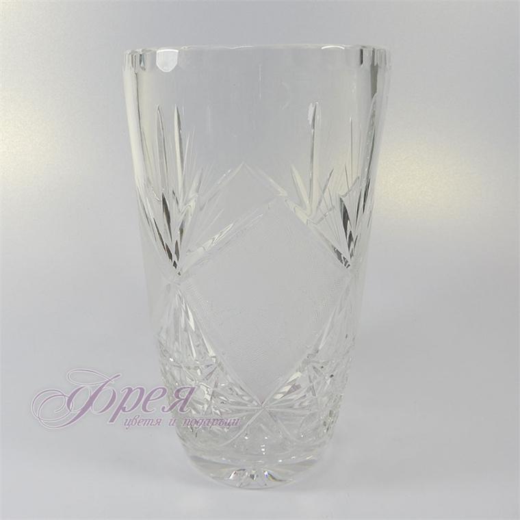 Кристална ваза с ръчна гравюра