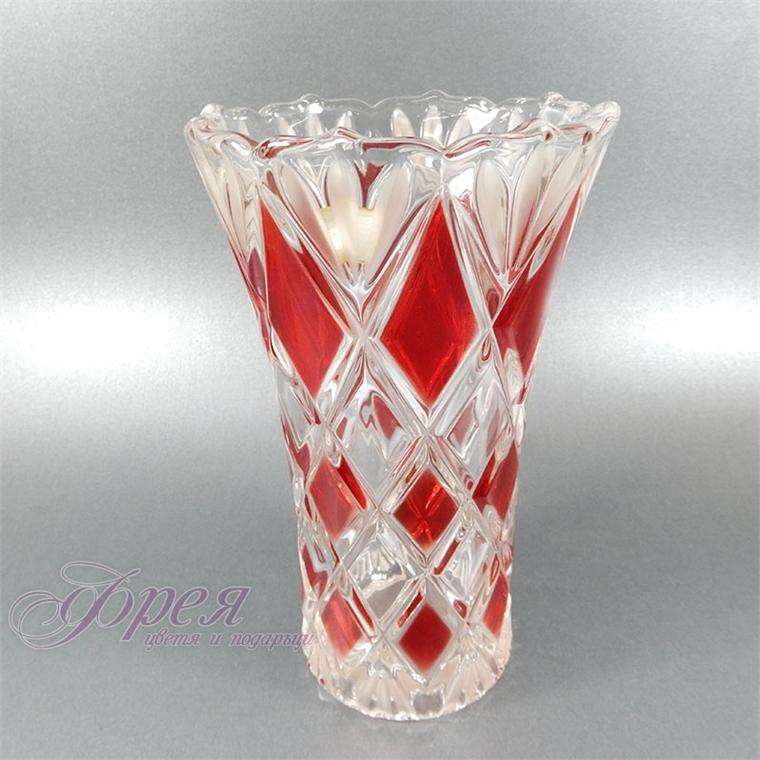Стъклена ваза - червени ромбове