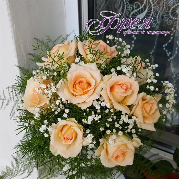 Булчински букет - Рози крем