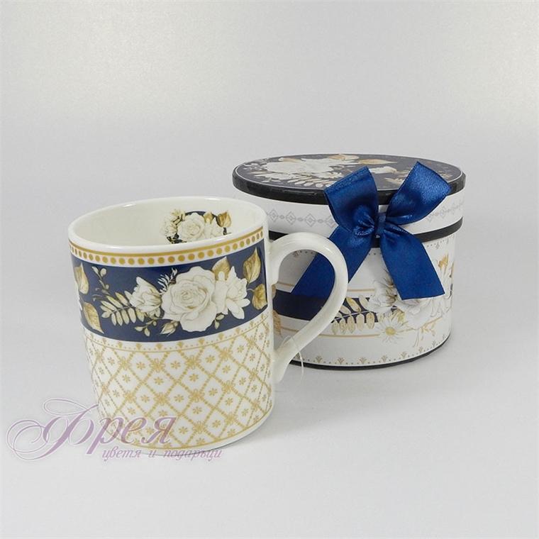 Порцеланова чаша класик - Бяла роза със син фон