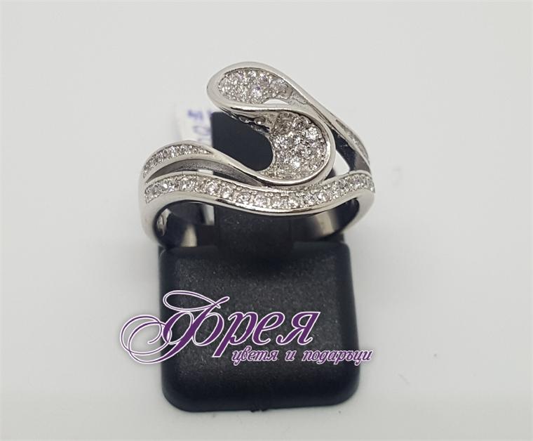 Сребърен пръстен с циркони - екстравагантни извити форми