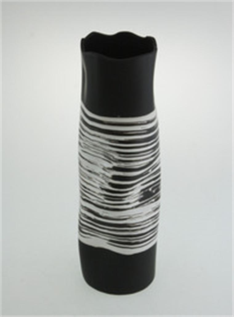 Ваза в черно и бяло 38 см - Форми