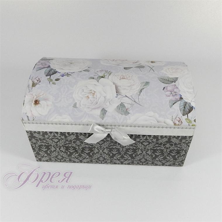Кутия за бижута - Бяла роза
