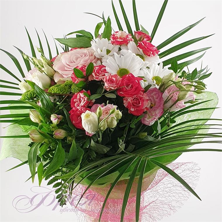 """Букет от различни цветя """"Артемия"""""""