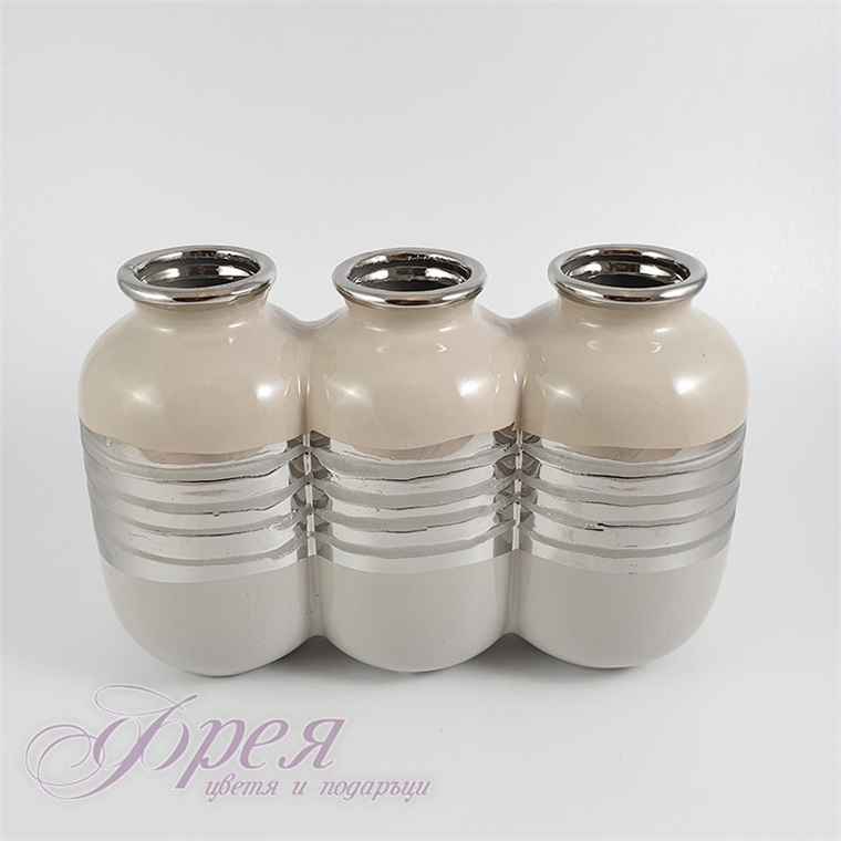 Керамична ваза - екрю със сребро