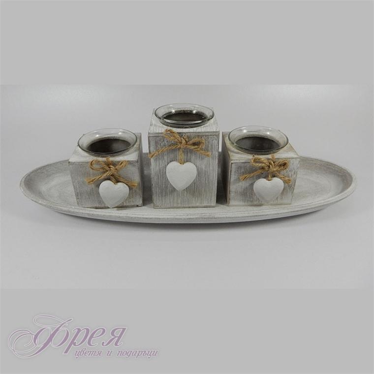 Комплект три свещника с поставка и декорация
