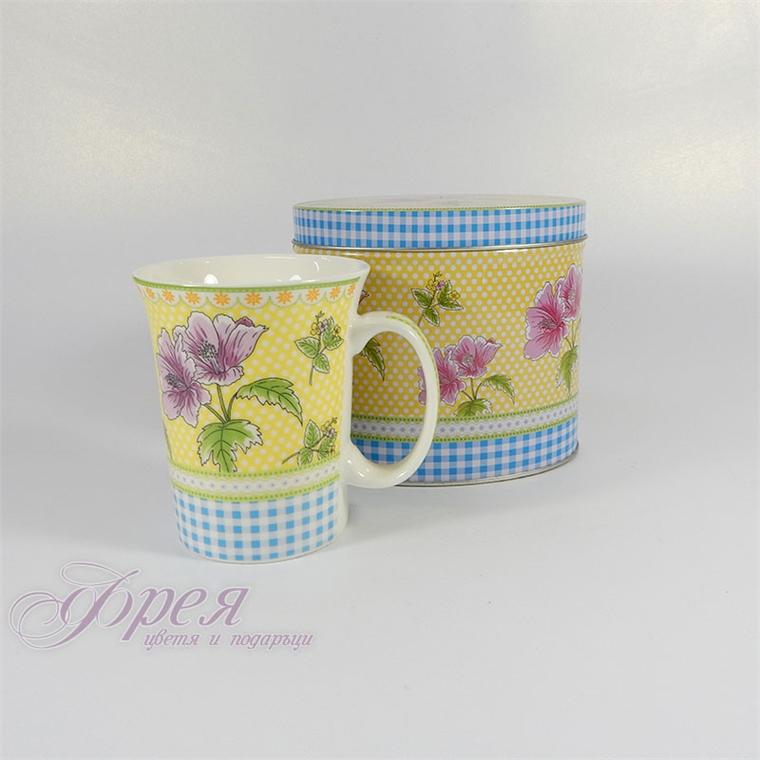 Порцеланова чаша в метална кутия  - Летни цветя