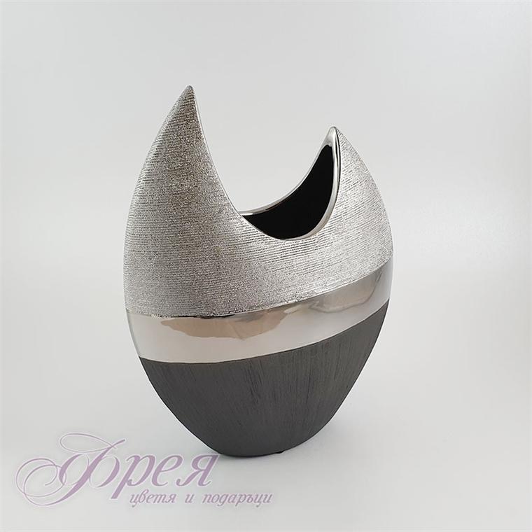 Елегантна керамична ваза с сиво