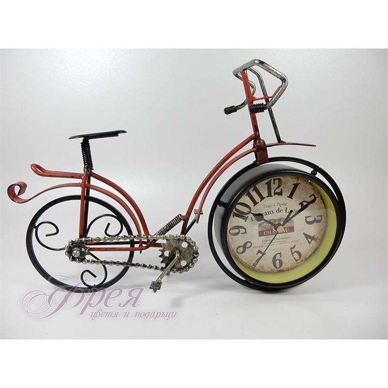 Винтидж часовник - Колело с червена рамка