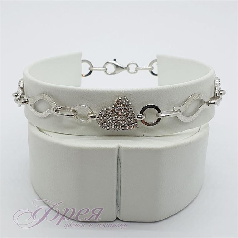 Сребърна гривна с циркони - сърце и кръгчета